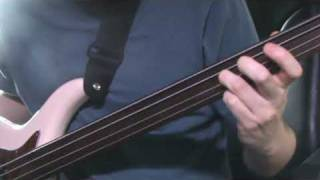 Fretless bass lesson 2: Sliding harmonics