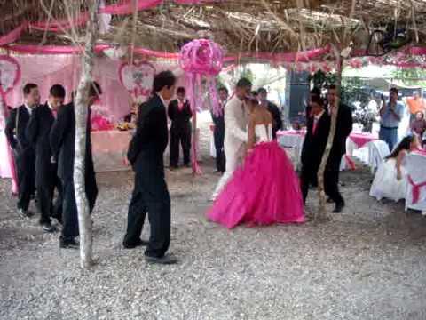 c987126ca Vals XV Años Brenda 14 Chambelanes - YouTube
