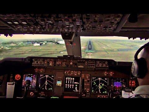 Sunset Landing Nairobi - KLM Boeing 747-400F Cockpit View