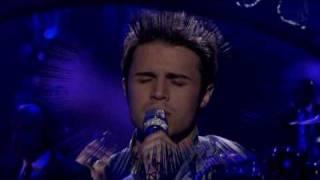 American Idol KRIS ALLEN SINGS FALLING SLOWLY