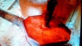 печь длительного горения. твердотопливный котёл верхнего горения.(печь длительного горения, по сути твердотопливный котёл верхнего горения, в простонароде бубафоня, самодел..., 2013-03-30T22:28:11.000Z)