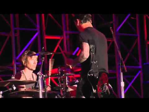 Ted Nugent & Godsmack - Stranglehold Live
