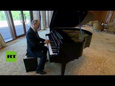 Putin toca el piano en la residencia de Xi Jinping en Pekín