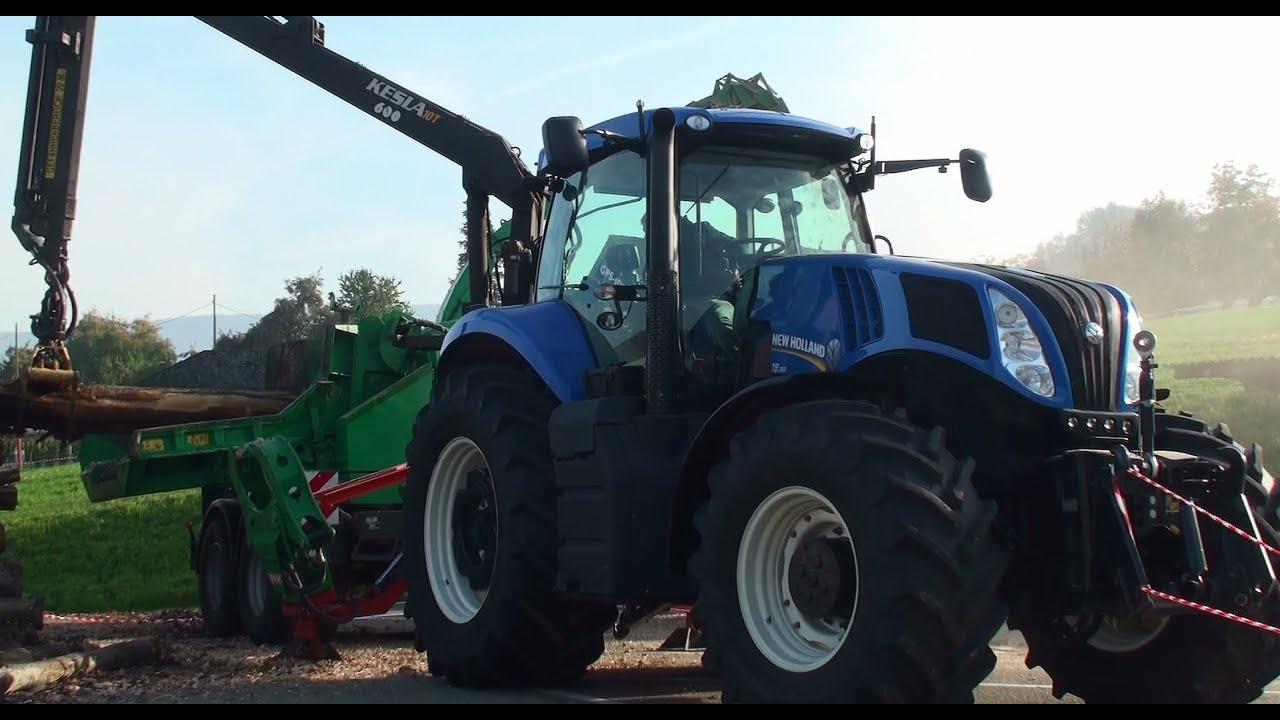 Landmaschinen Traktor New Holland T8 360 Beim Hackseln