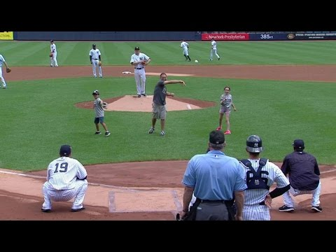 MIN@NYY: Yankees host Southern Boulevard School