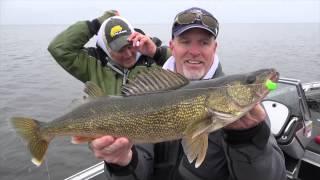Trophy Fish Hunter: Rip Jigging Walleyes