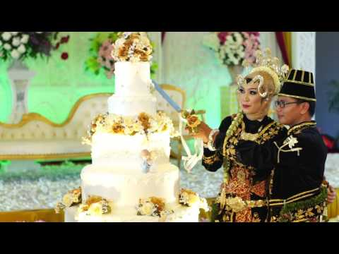 Potong Kue Pernikahan
