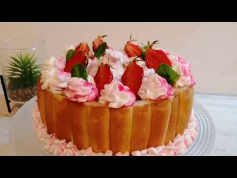 charlotte-aux-fraises-ultra-légère,-un-nuage-en-bouche-!!