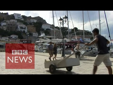 Greece: Empty shops and divided societies - BBC News