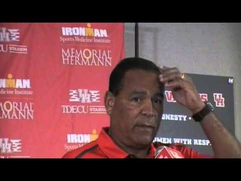 UH Cougars HD MBSKB Coach Kevin Sampson