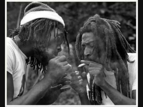 Bunny Wailer - Battering Down Sentence -1976