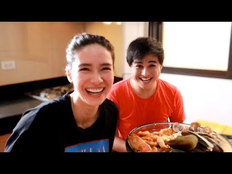 COOKING GARLIC BUTTER SEAFOOD WITH MJ ♥️   Erich Gonzales