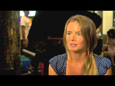 Daniela Hantuchova tickles the ivories - 2014 Australian Open