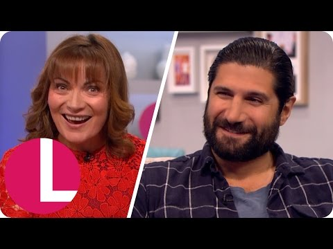 Kayvan Novak Impresses Lorraine With His Sean Connery Impression Lorraine