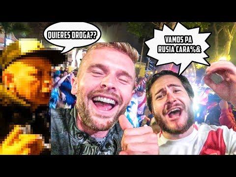 ASI CELEBRARON LOS PERUANOS  ( SE ENLOQUECIERON)