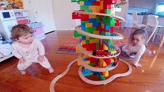 Roundabout Mega Block Summit Video - Toy Train Track 32
