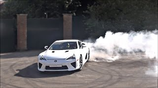4 minutes of Lexus LFA MADNESS!!