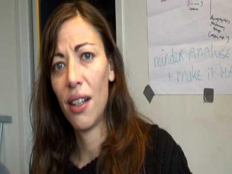 Sofie views Sara's answer 4 1st time( Norway versus Iran)