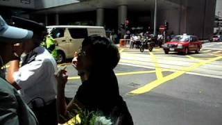 惡女 在香港中環amazing video super lady in central hong kong july 5 2010 avi