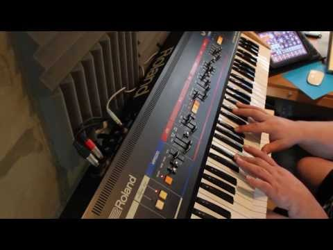 Roland Juno 6  - Clock the Arpeggiator with an iPad - Korg iElectribe