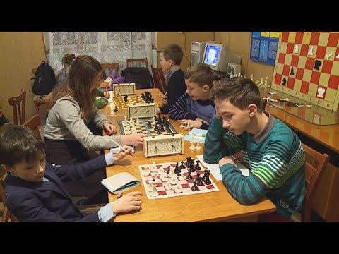 19.12.2017 У Коломиї змагаються юні шахісти