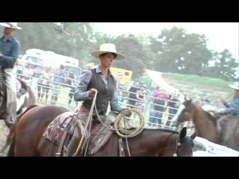 Natalia Estrada - Spettacolo a cavallo