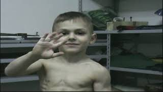kid ! biceps workout with dumbbells