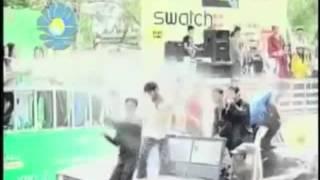 Ma Yone Nae မရုန္းနဲ႔ Zaw Win Htut ေဇာ္ဝင္းထြဋ္ Thingyan Karaoke