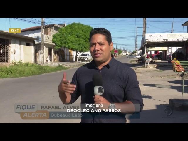 Buraco provoca acidentes no Conjunto Dubeaux Leão