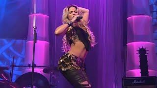 Shakira - Whenever, Wherever (Live at Bravo Super Show 2002)