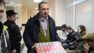 У Дмитрия Бердникова отобрали транспарант