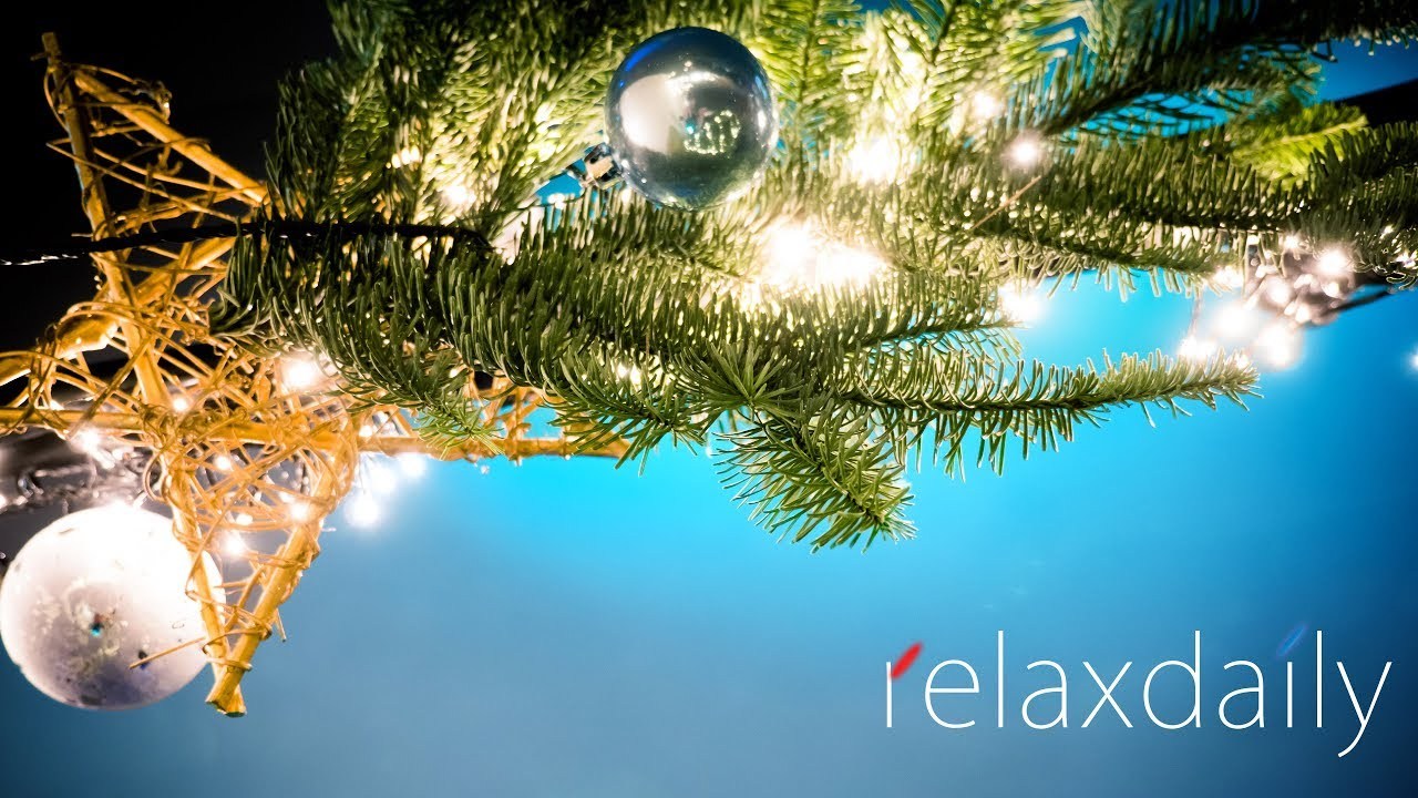 Accuradio Christmas.Relaxing Background Piano Dinner Music Unconventional Christmas Edition