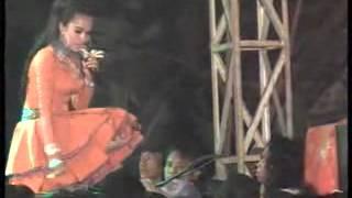 Download lagu Familys Yusnia Tak Sabar MP3