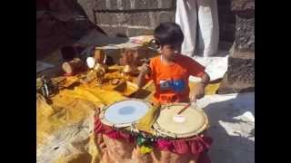 Download Hindi Video Songs - Little Drummer Malhar - Trying  his  hand for the first time on 'Sambal'