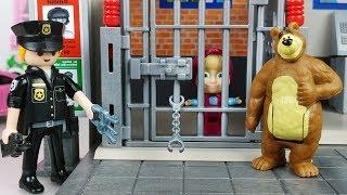 Police Station Jail and Robocar Poli car toys Masha and pororo play -토이몽