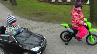 Вани купили крутую машину электромобиль