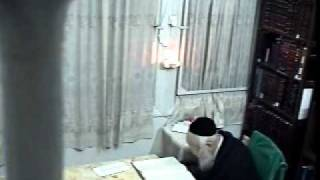 Rare Video Footage of Harav Elyashiv Learning at Home without music