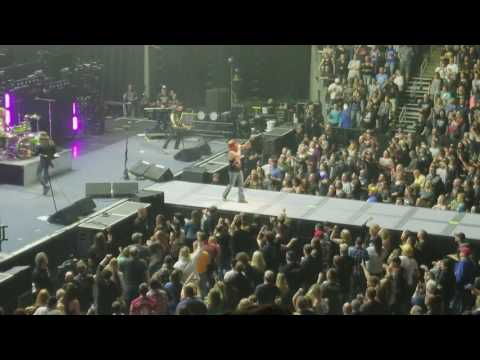 Def Leppard, Poison, and Tesla at the Denny Sanford Premier Center in Sioux Falls SD.