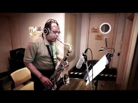 Kerem Gorsev Trio & Ernie Watts - Hands And Lips