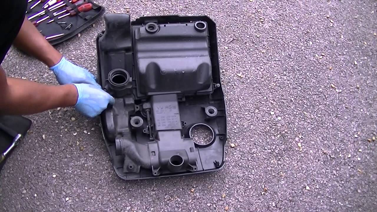 vw polo 1 2 oil filter service battery change and spark. Black Bedroom Furniture Sets. Home Design Ideas