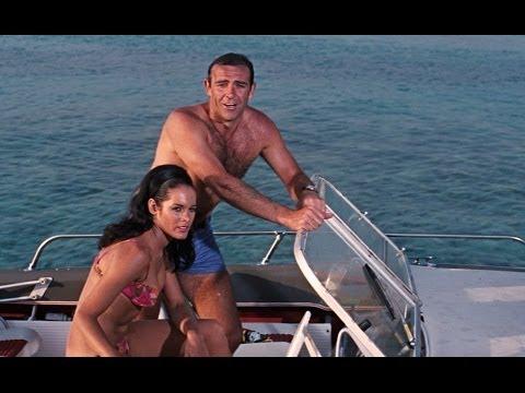 Tom Jones - Thunderball - James Bond Soundtrack - Live cover by Darren Evorglens - lyrics