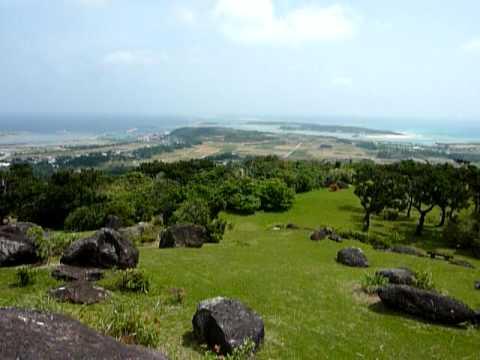 登武那覇城跡のさらに上からの景色。