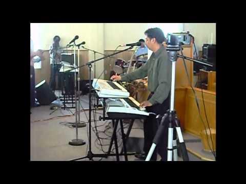Ramon Reyes Cantando Coros 1  En La Iglesia La Ultima Cosecha En Su Aniversario En Georgia.wmv