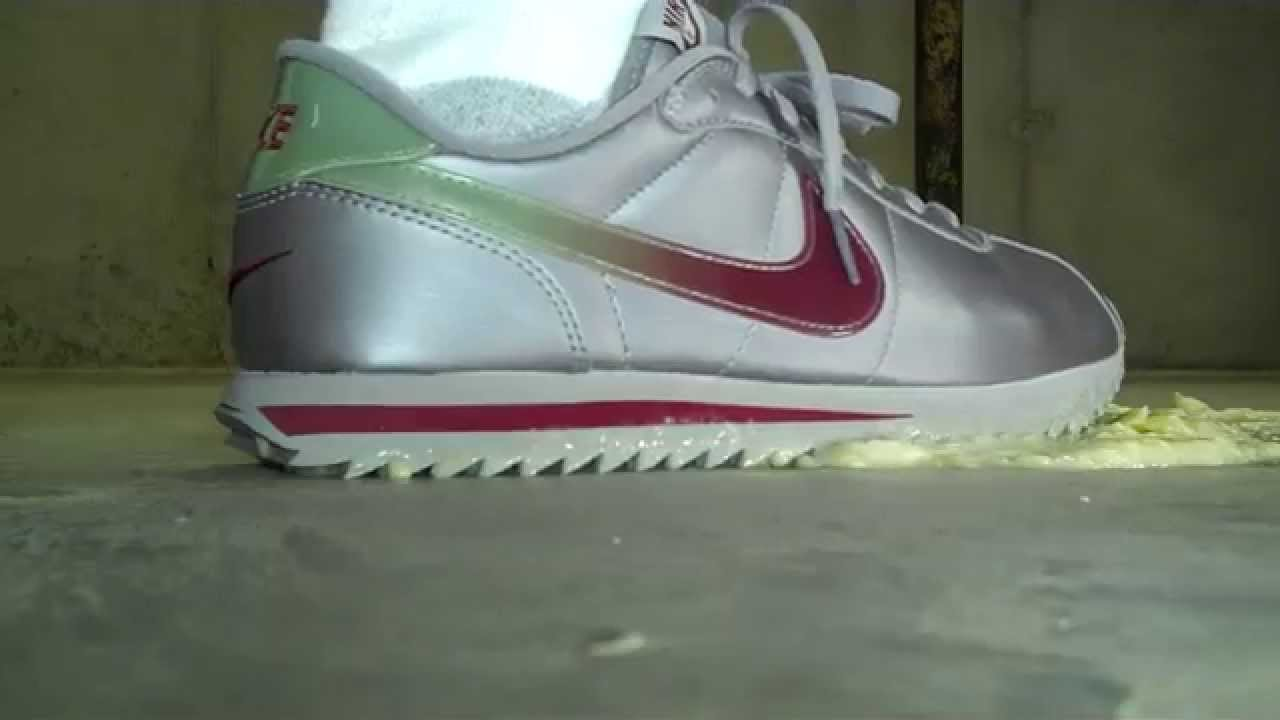 100% authentic 58686 65b91 nike cortez silver red
