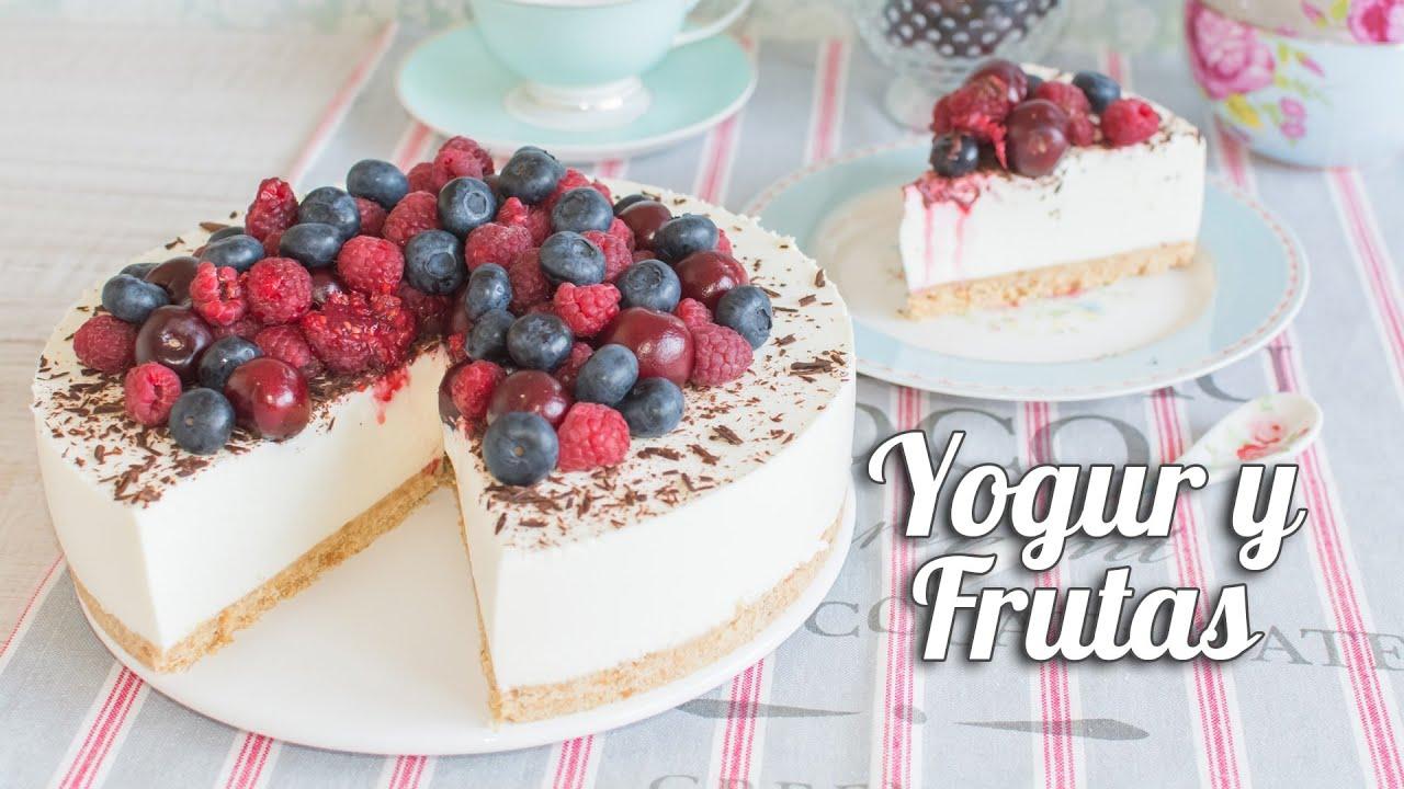 Torta fría de yogur y frutas
