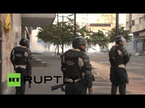 Venezuela: Two dead as violent protests continue