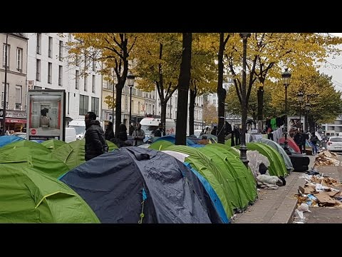 Migrant camps emerge in Paris after Calais 'Jungle' dismantl