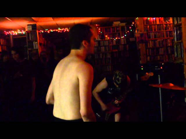 Chest Pain - Live @ Nice Price Books (Raleigh, NC 6/12/14)