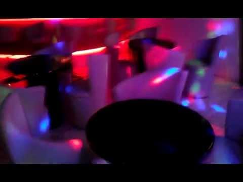 Barra discoteca o pub con dmx vista general doovi - Decoracion de pub ...