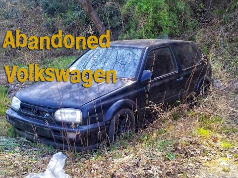 Abandoned Volkswagen. Old Volks abandoned. Germany cars abandoned. Verlassenes auto